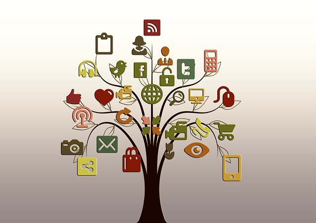 7 reasons to use social networks in small business