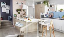 Sweets like a cake, kitchens are aimed at the vintage renovated