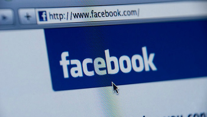 Facebook goes to LinkedIn, and proves to be able to create job offers from the company pages